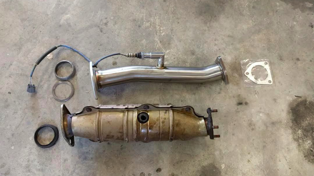 S2000 OEM Cat next to a 1320 Performance Test Pipe